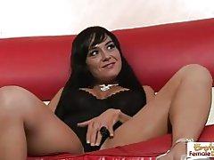 Sexig Mogen hemmafru sprider sina ben för sin styvson