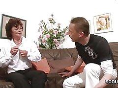 Porr gjutning för tysk mamma och pappa för pengar