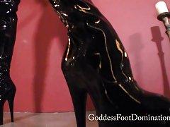 Emma boot rengöring fot slav - femdom - boot dyrkan