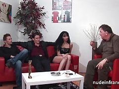 Anal gjutning soffan busty brunett hårt dubbel penetrerad