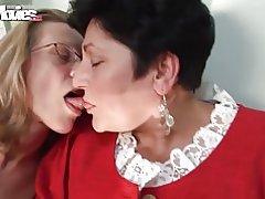 Roliga filmer kåt farmor lesbiska