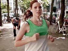 Katrin hess - något studsande bröst på jog