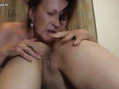 Mormor gå hårt med unga lesbo Tjej