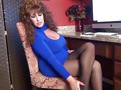 Samantha ben är din office retas i strumpbyxor.